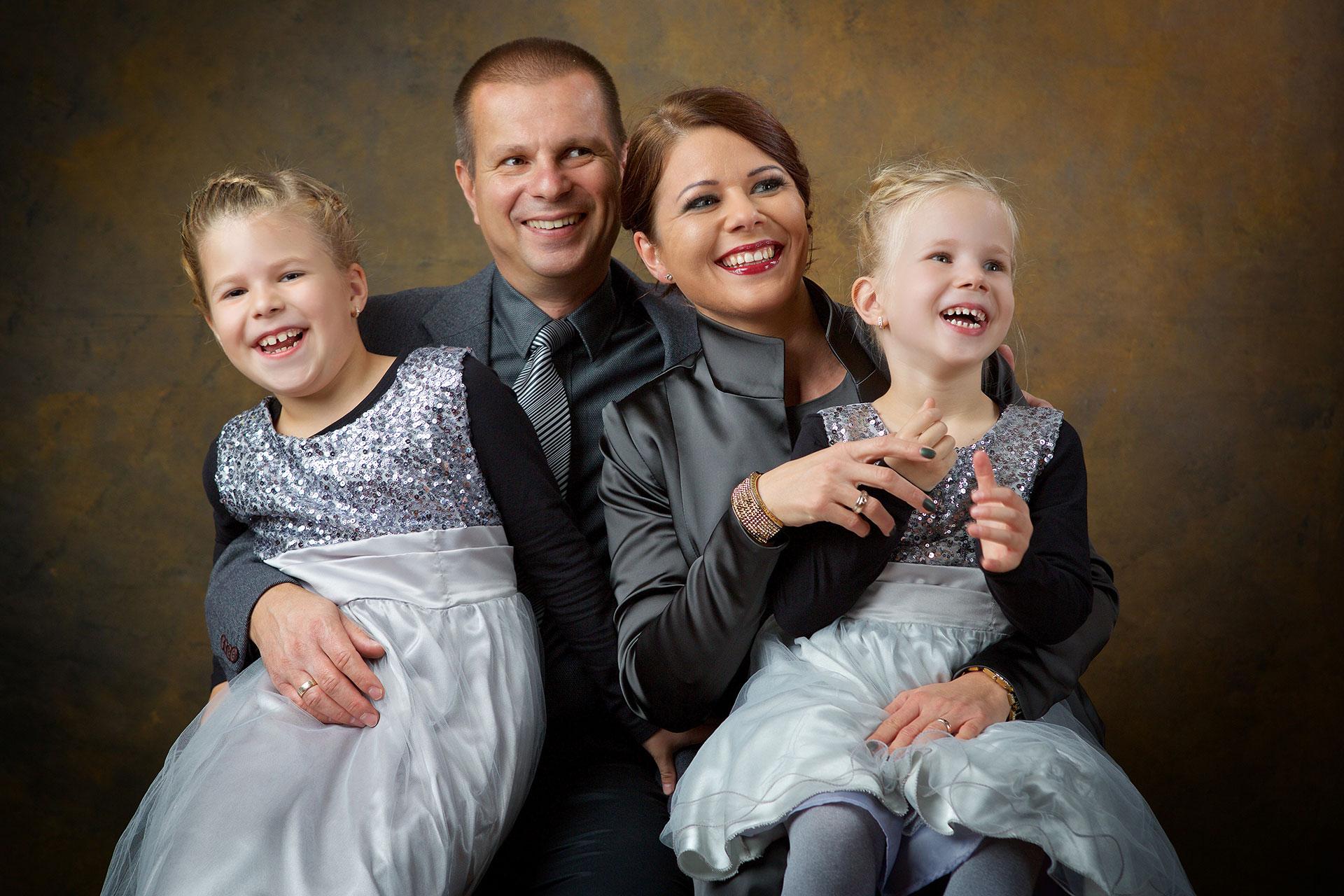 Reni és családja